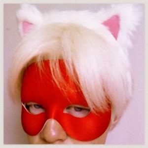 アルビノ猫耳仮面