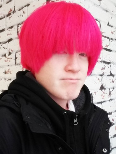 アルビノ 赤髪
